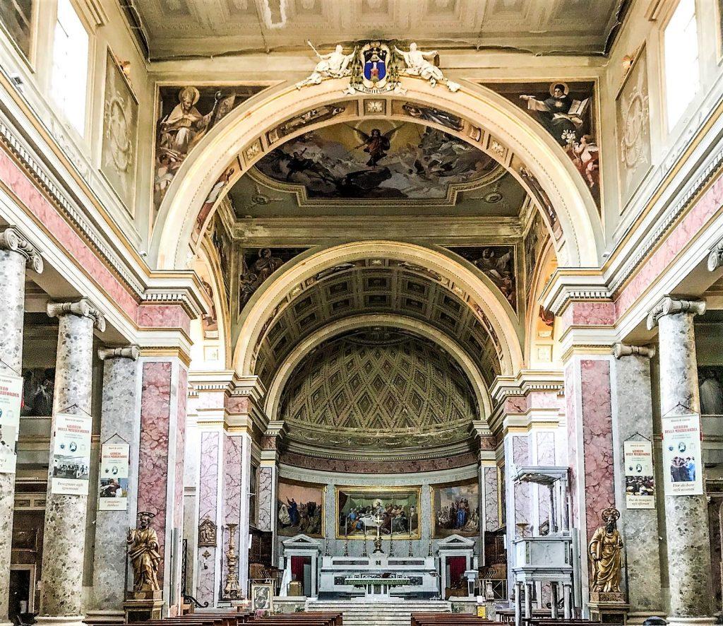 L'altare del Duomo di Caserta