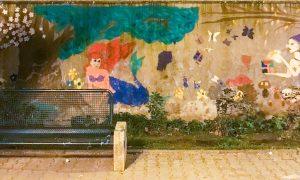 Il murales nella piazzetta di via Trento