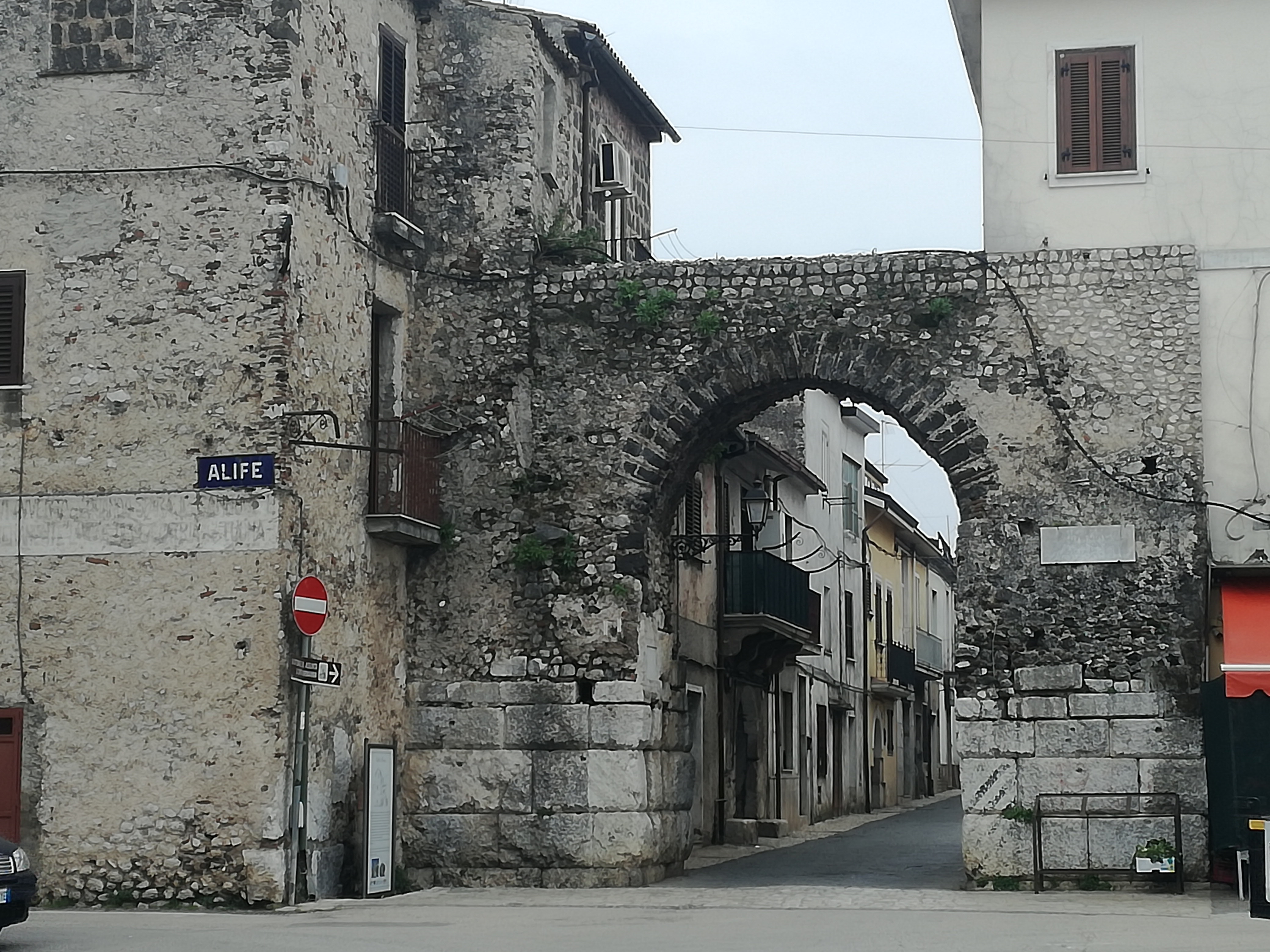 Porta Roma sul lato ovest