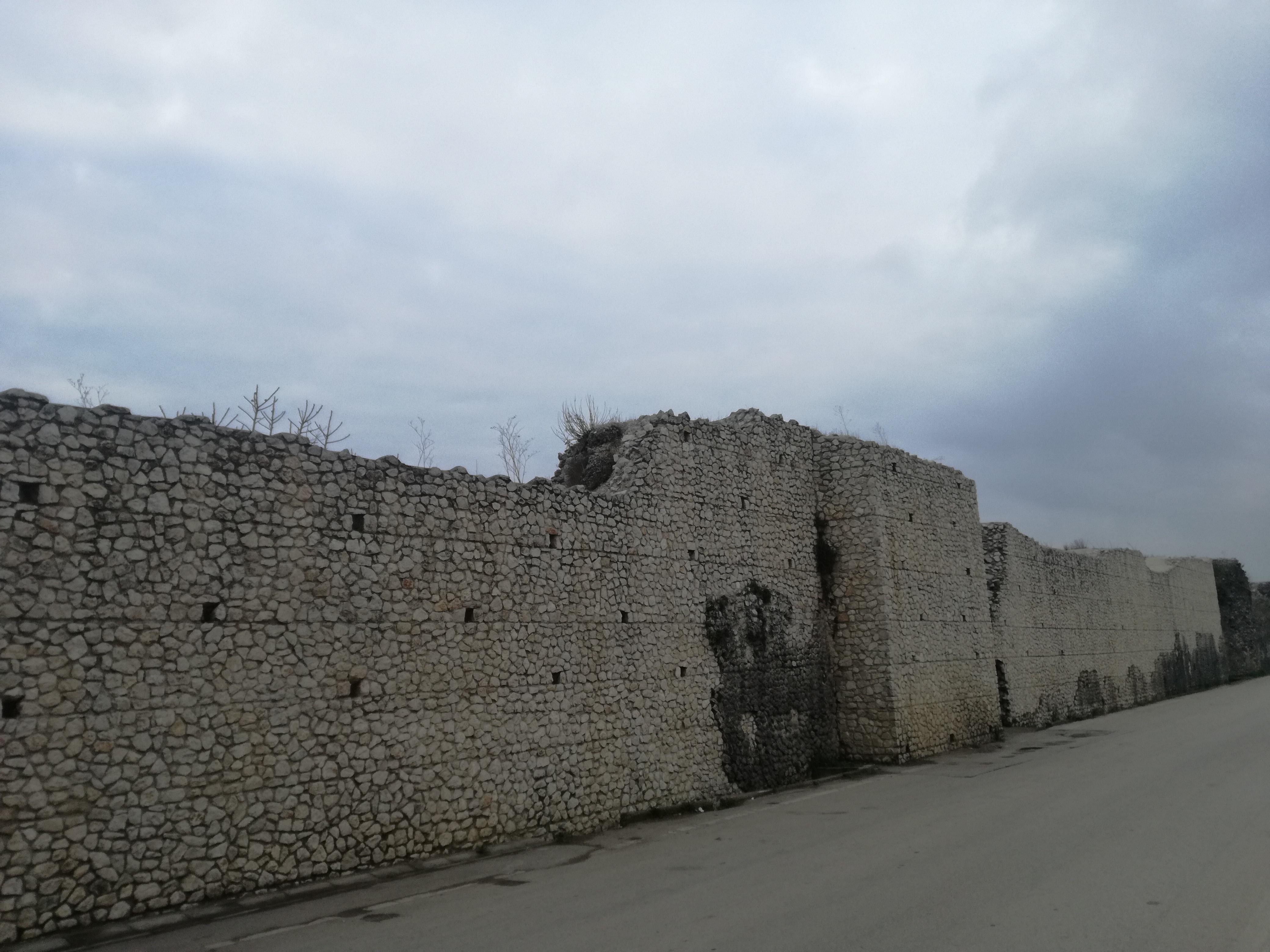 la cinta muraria di Alife
