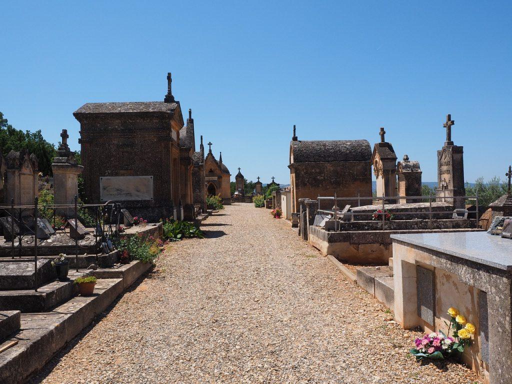 sentiero cimiteriale