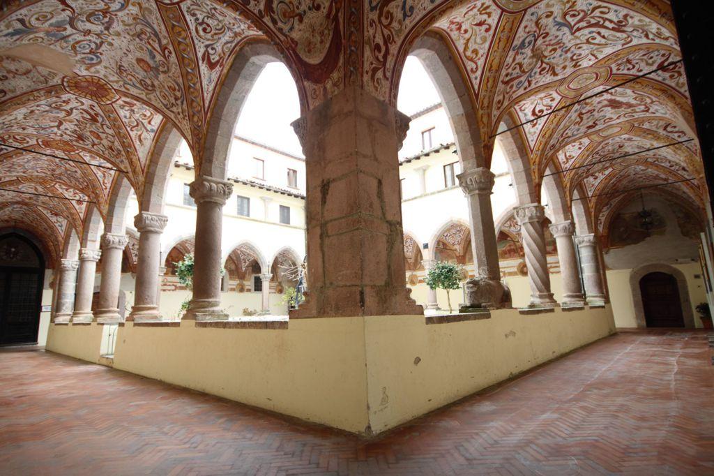 il chiostro del convento dei Lattani