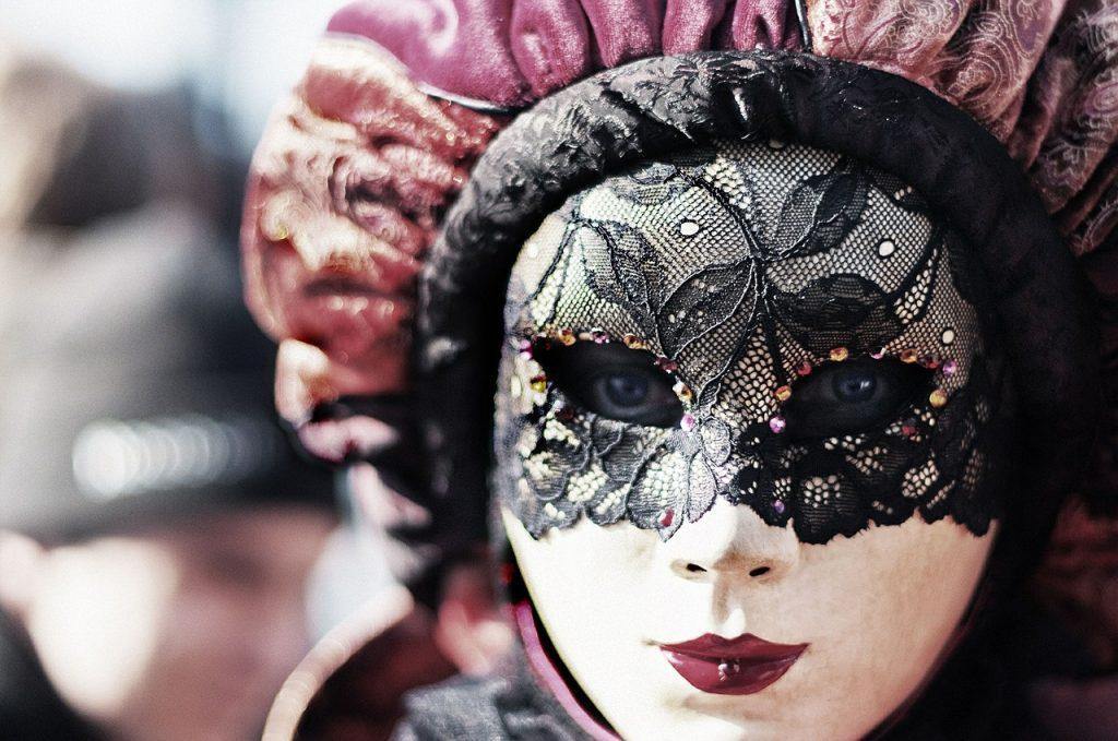 maschera misteriosa