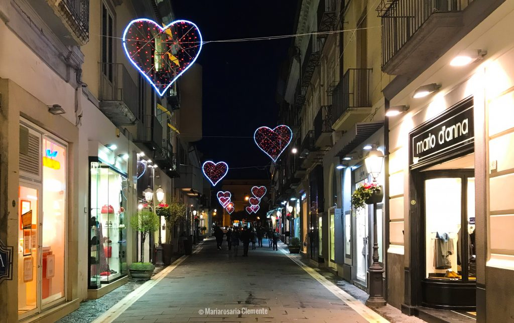 I cuori luminosi di via Mazzini