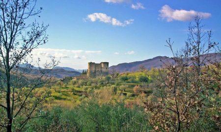 veduta del castello di prata sannita