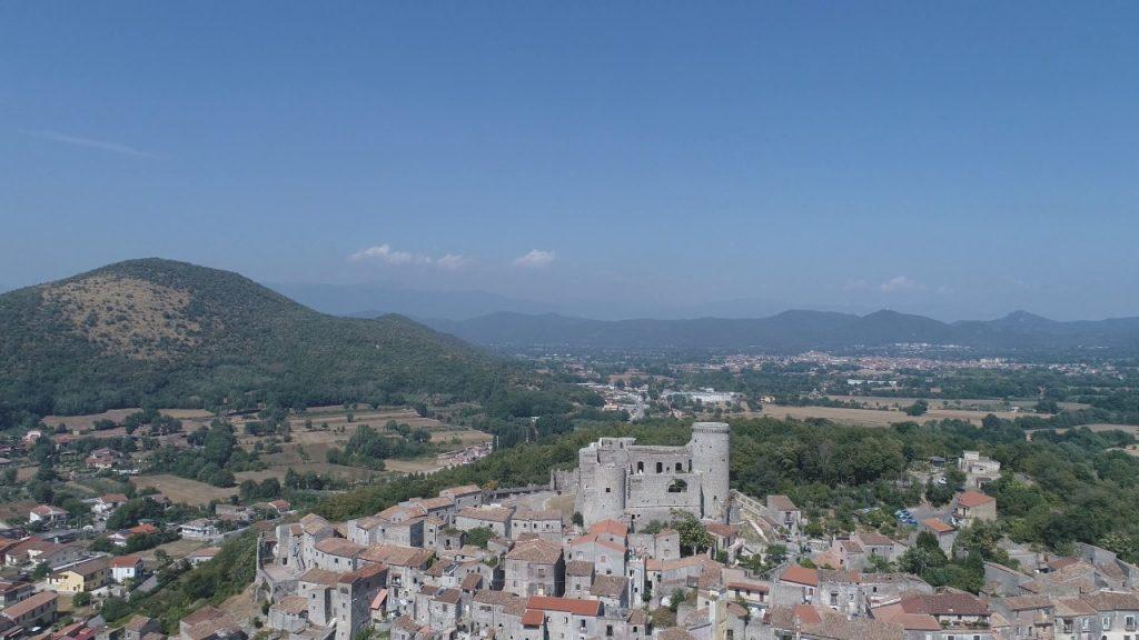 il castello di riardo dall'alto