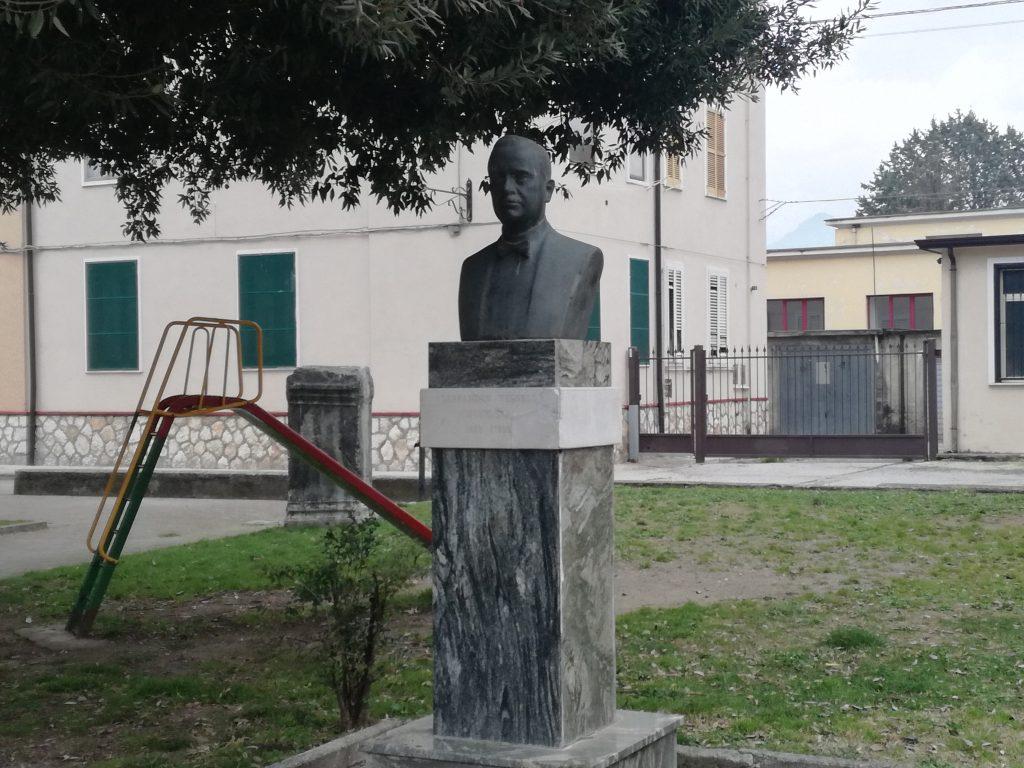 busto in bronzo di Alessandro Vessella nella sua città natia