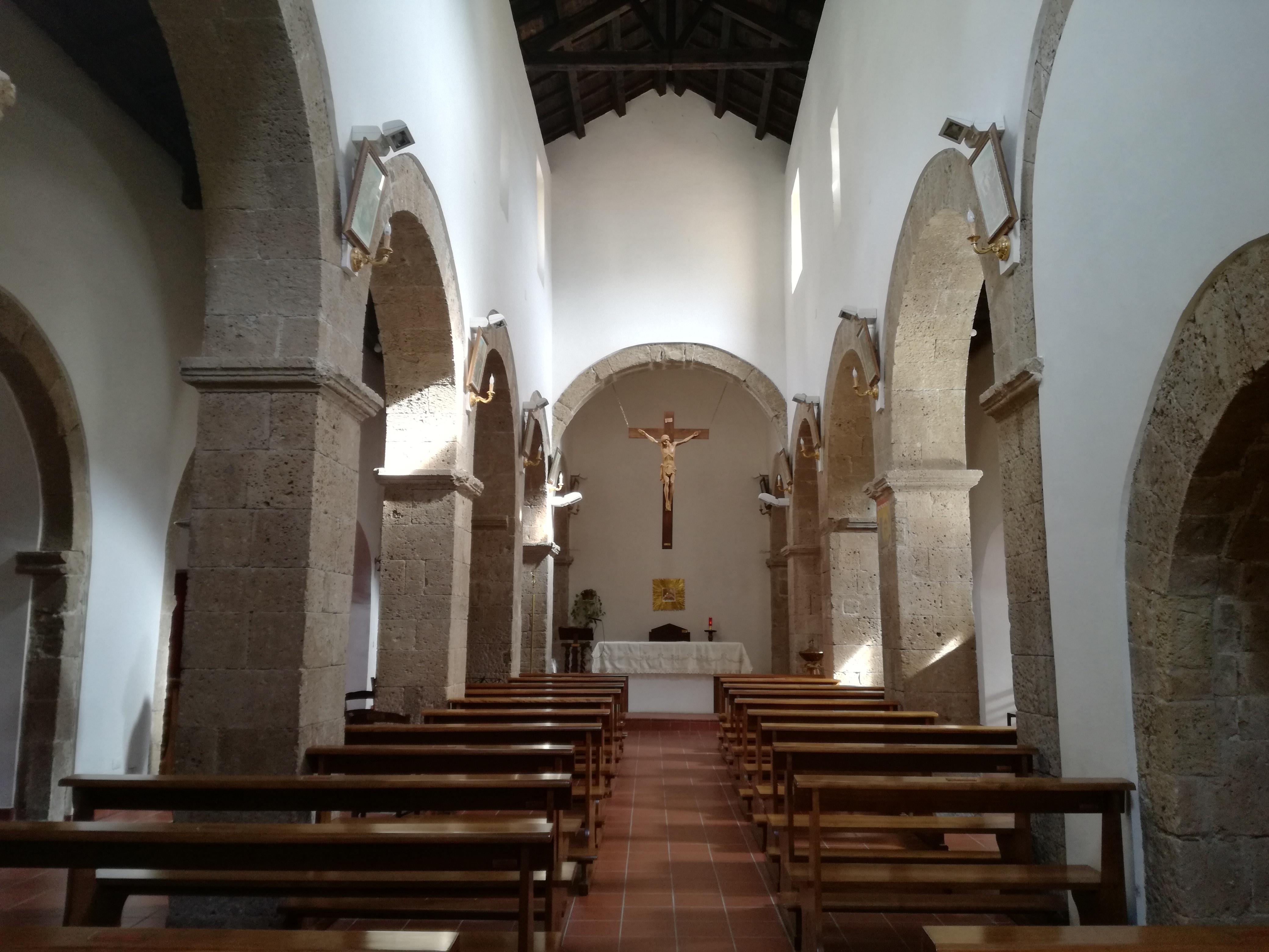 l'interno della chiesa di San Nicola