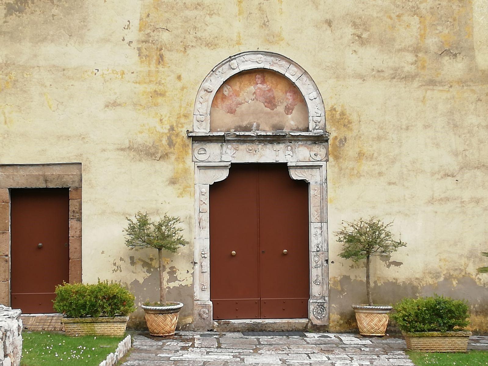 Portale Della Chiesa Di San Nicola Di Presenzano