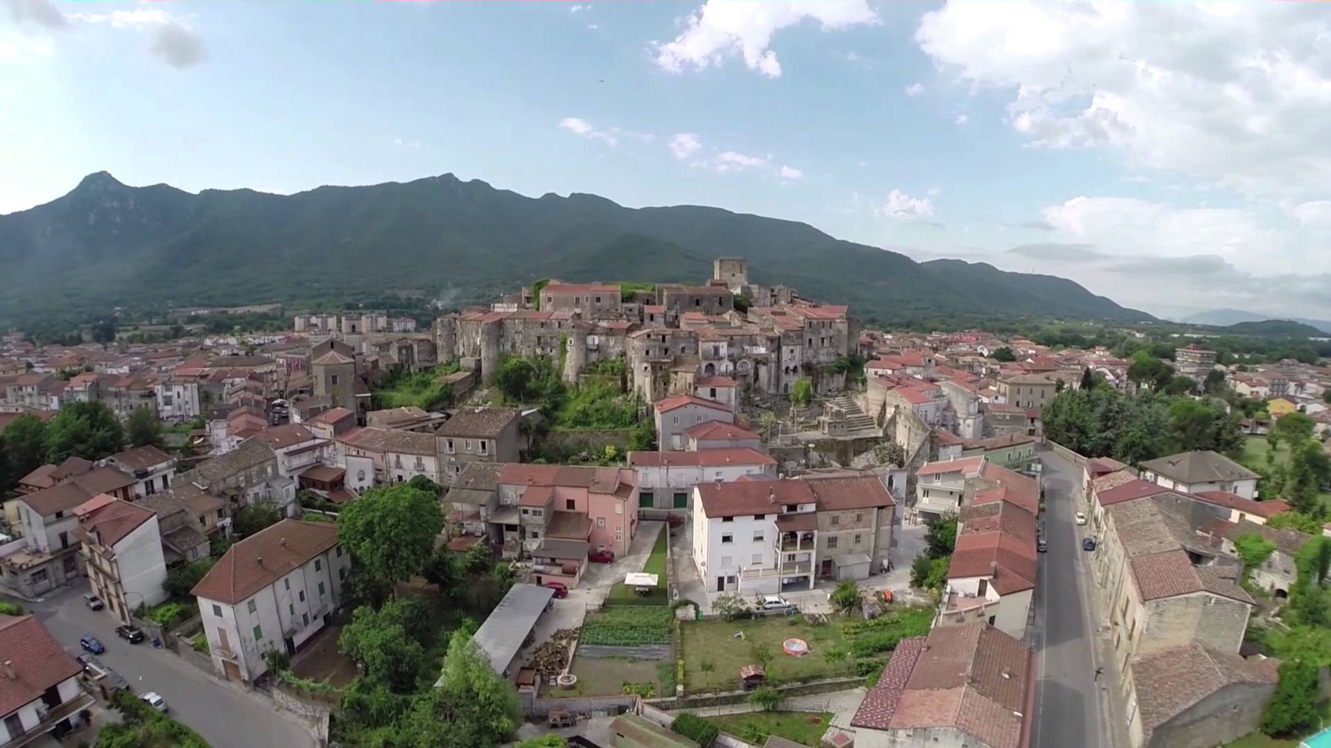 Veduta aerea del borgo