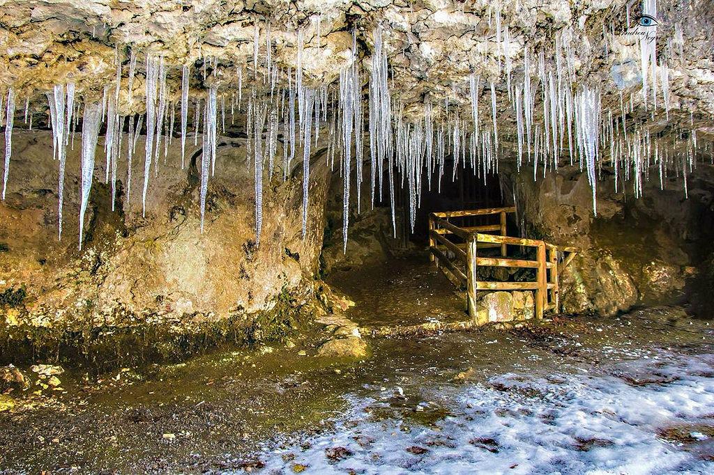 Stalattiti della Grotta di San Michele (Foto dii Clarus)
