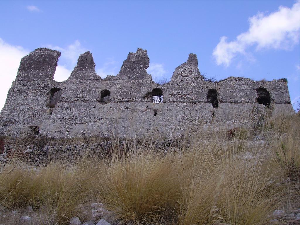La rocca Montis Dragonis (foto di Nunzio Fardella)