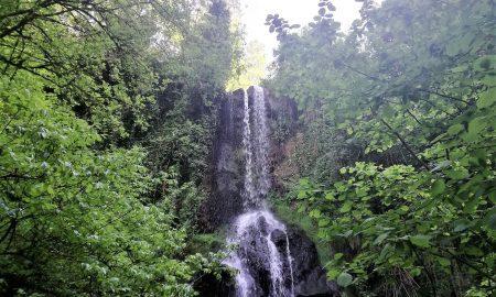 L'imponenza della cascata di Conca della Campania