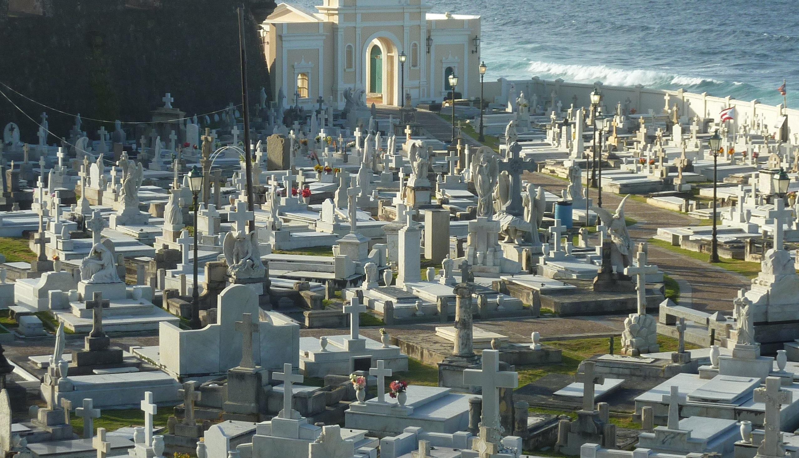 Cimitero di Falciano del Massico