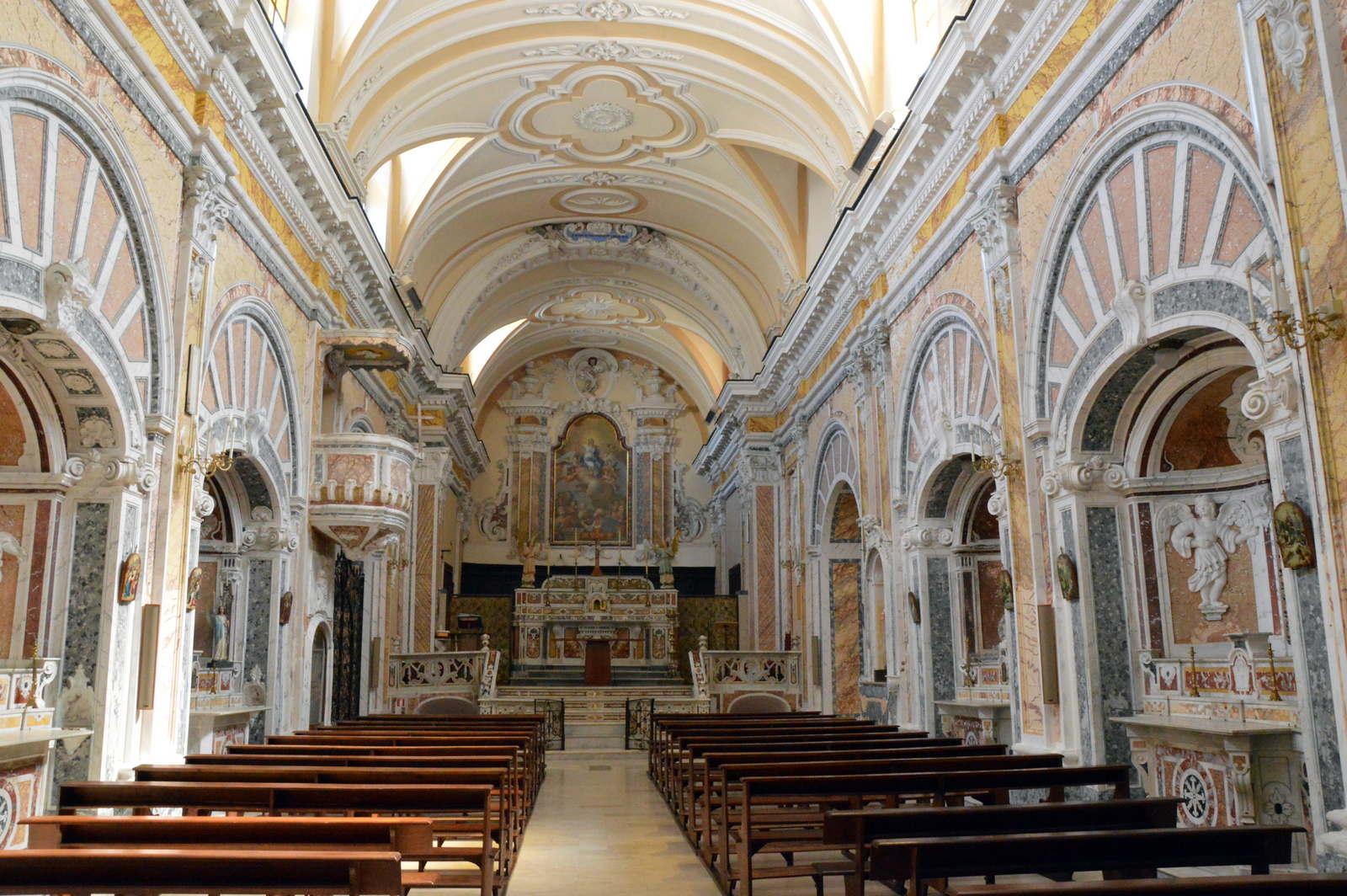 interno chiesa Santa Maria della Vigna Pietravairano