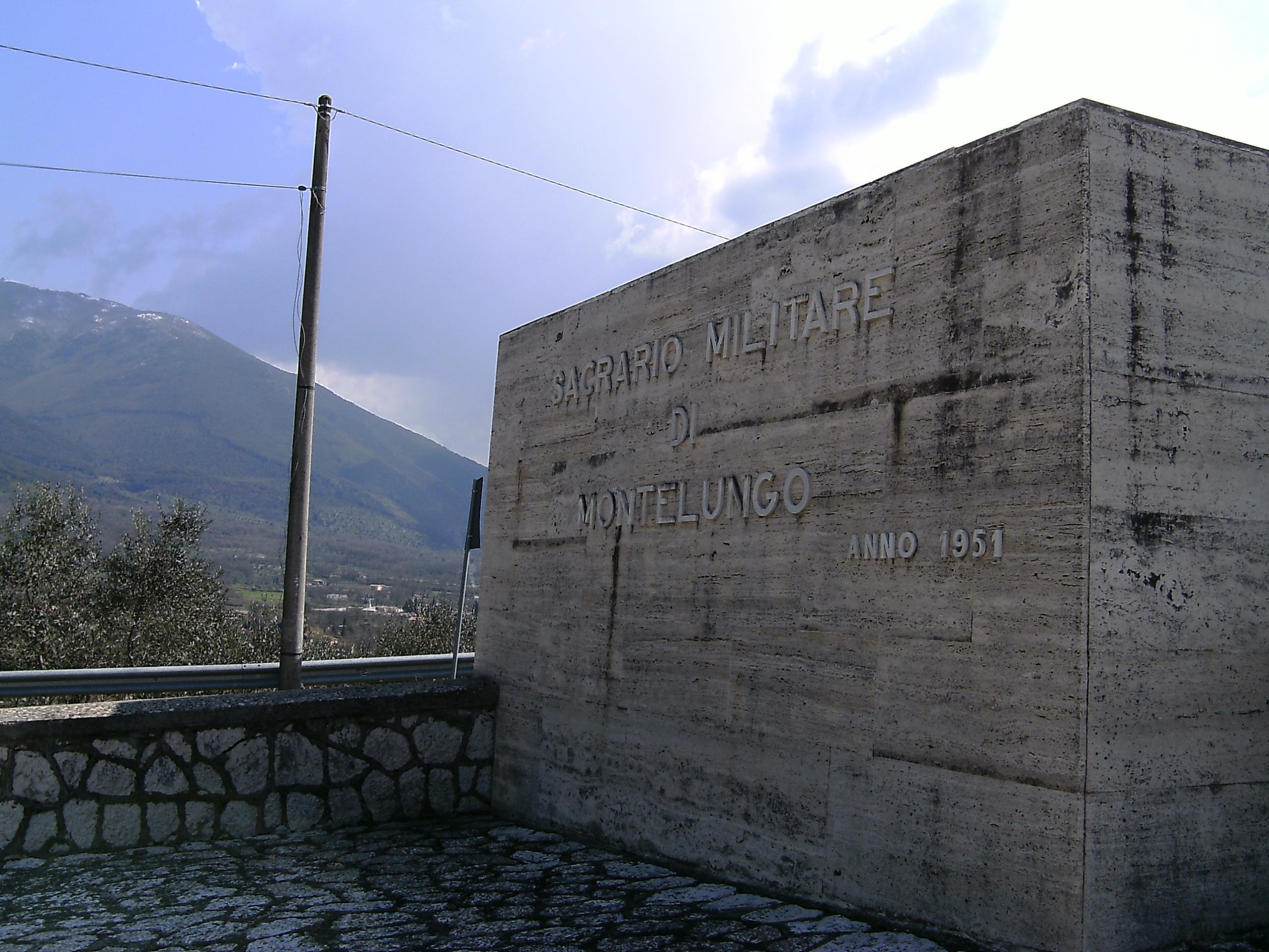 Il monumento alla memoria delle vittime della battaglia di Montelungo