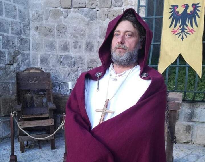 l'inquisitore nel Medioevo