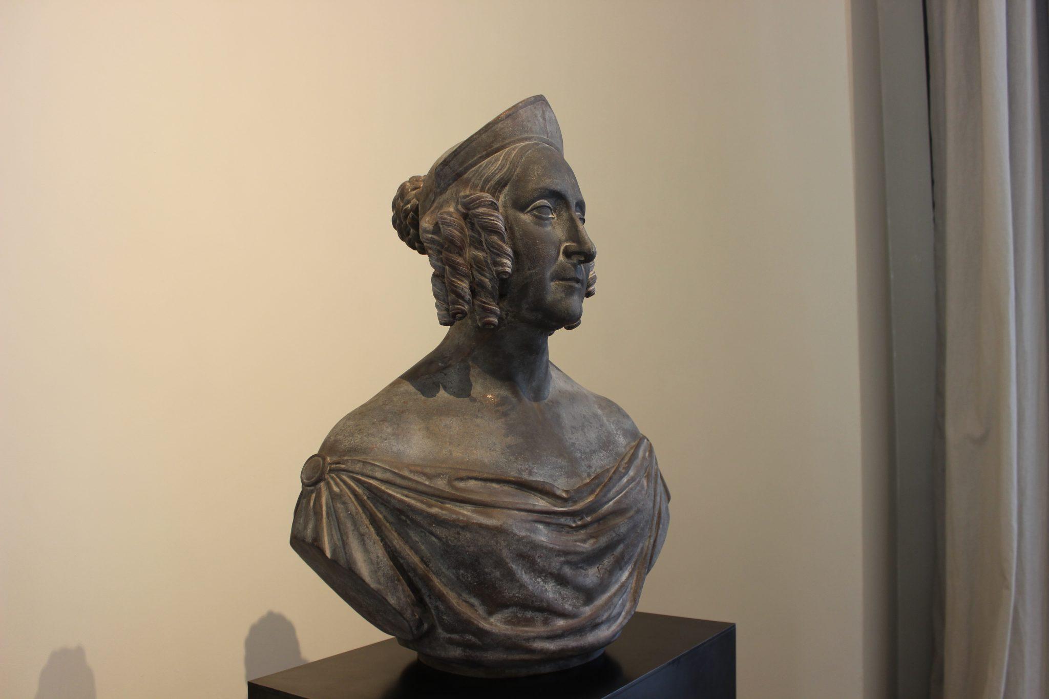 Busto della Regina Giovanna I, moglie di Andrea d'Ungheria