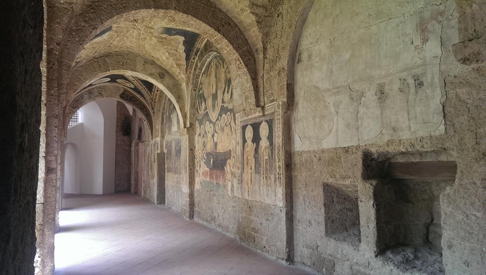 Dettaglio interno della chiesa di S. Francesco delle Monache, ad Aversa