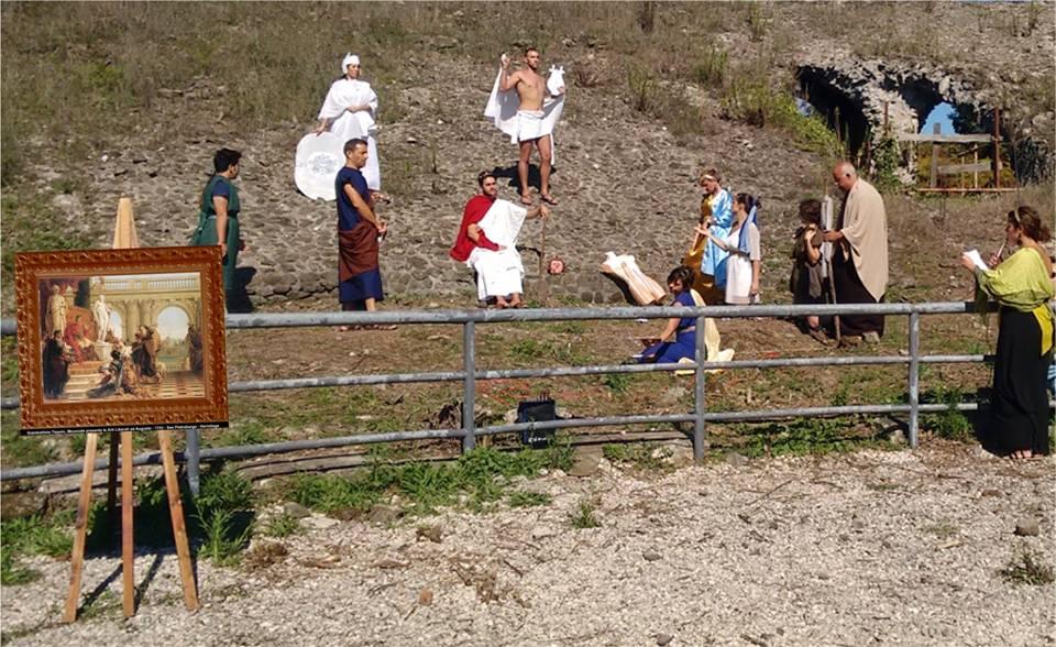 Tableau Vivant al teatro di Cales organizzato dall'ArcheoCales