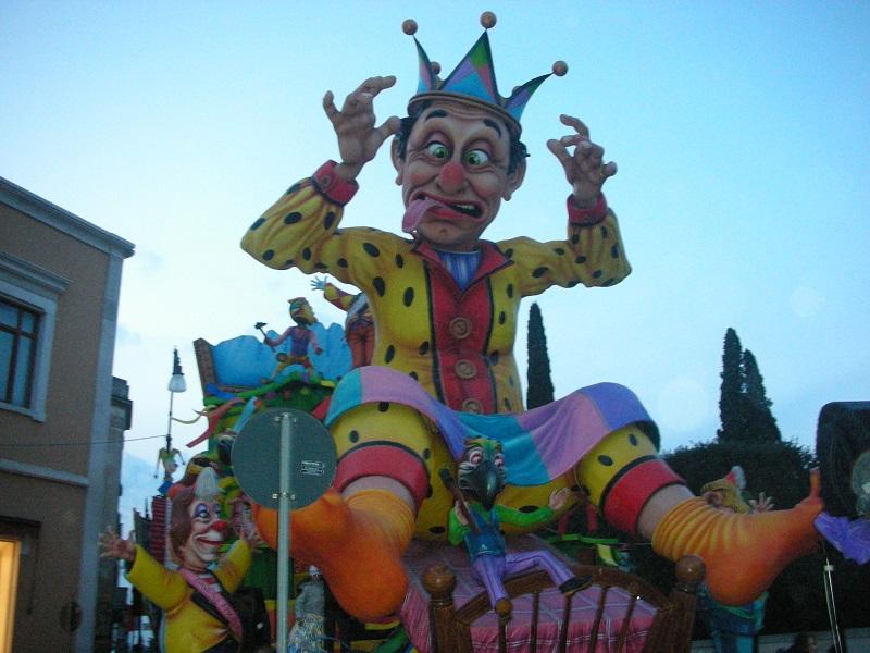 Carro allegorico nel Carnevale di Capua