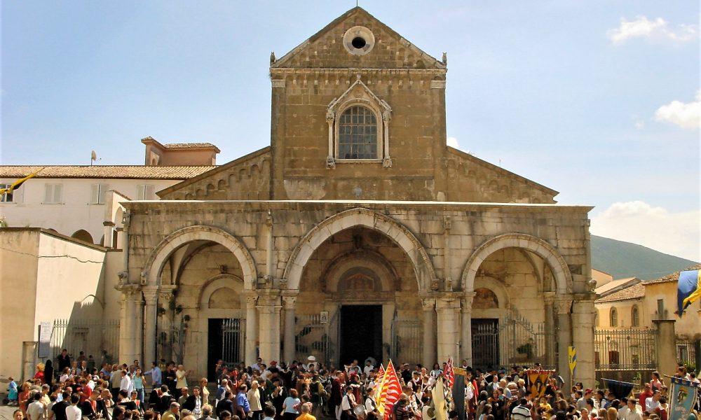 Duomo Di Sessa Aurunca - esterno della chiesa