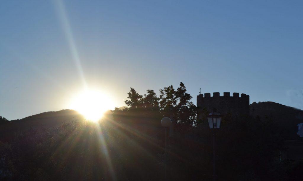 l'alba al Castello Del Matese
