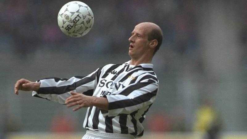 Attilio Lombardo con la maglia della Juventus