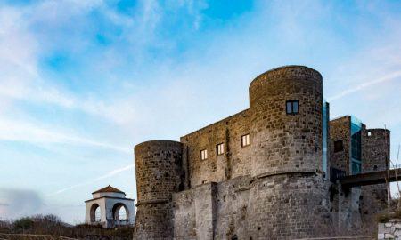 Castello angioino aragonese di Calvi Risorta dalla Casilina