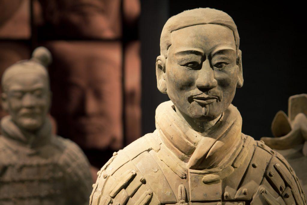 Esercito Di Terracotta Reggia di Caserta - una statua esposta