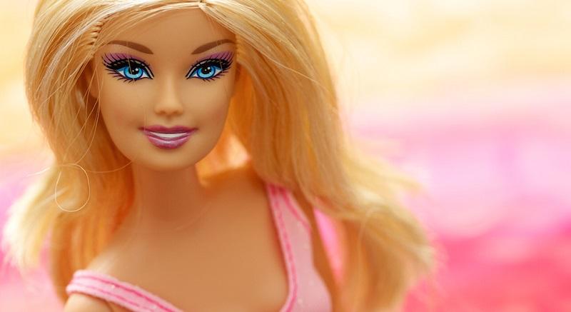 Rosanna Marziale col volto di Barbie