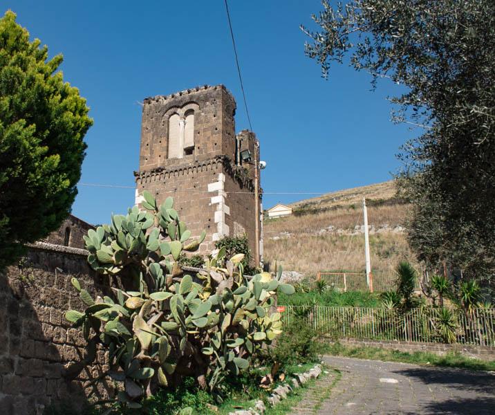 Campanile San Pietro Ad Montes