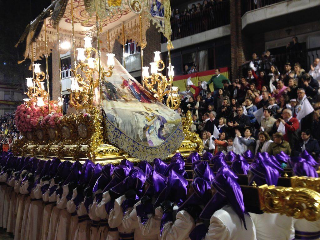 Pasquetta 2019 A Caserta processione
