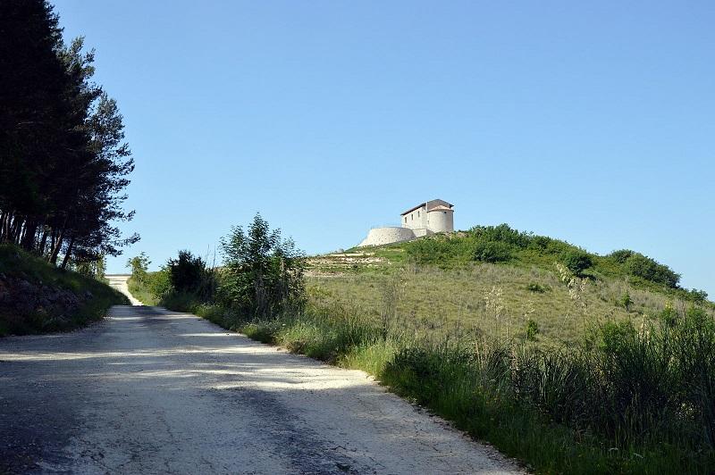 Marzanello Vecchio, vista sulla chiesa