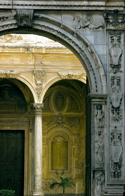 Chiesa dell'Annunziata Aversa - Arco Dell'annunziata
