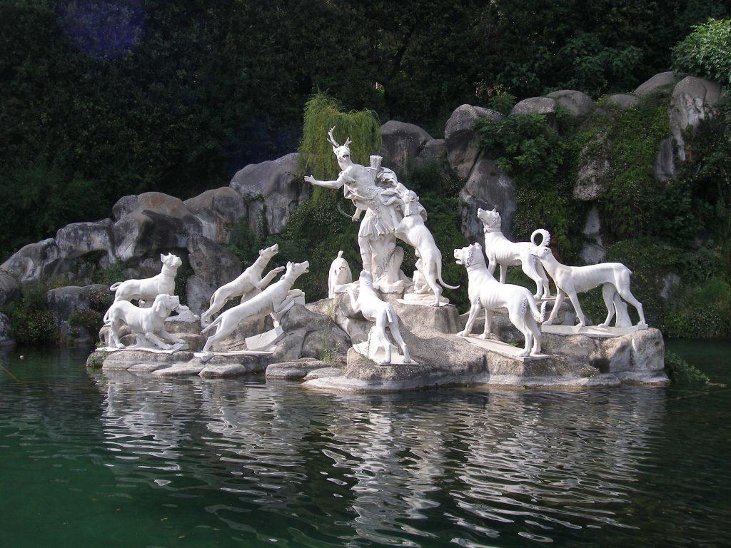 I Borbone e i cani: Gruppo Di Atteone, Parco Reggia di Caserta