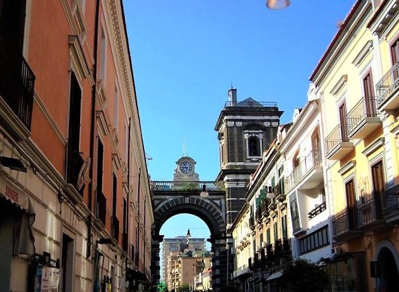 Chiesa dell'Annunziata di Aversa - Arco E Campanile