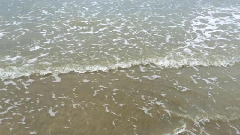 Mare Bolle con divieto di balneazione