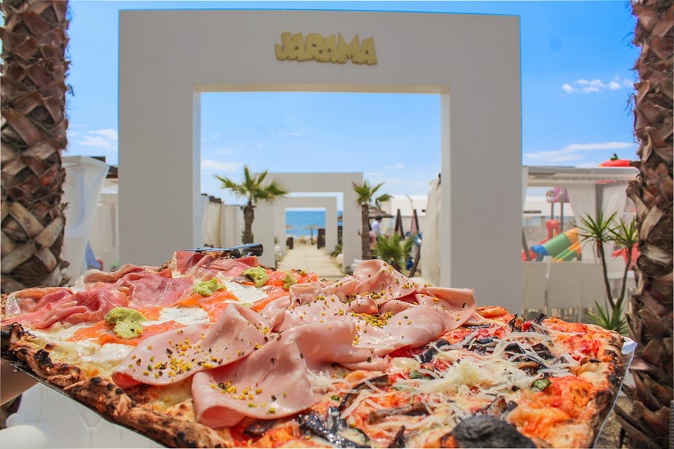 Pizza Alla Brace al lido Jarama