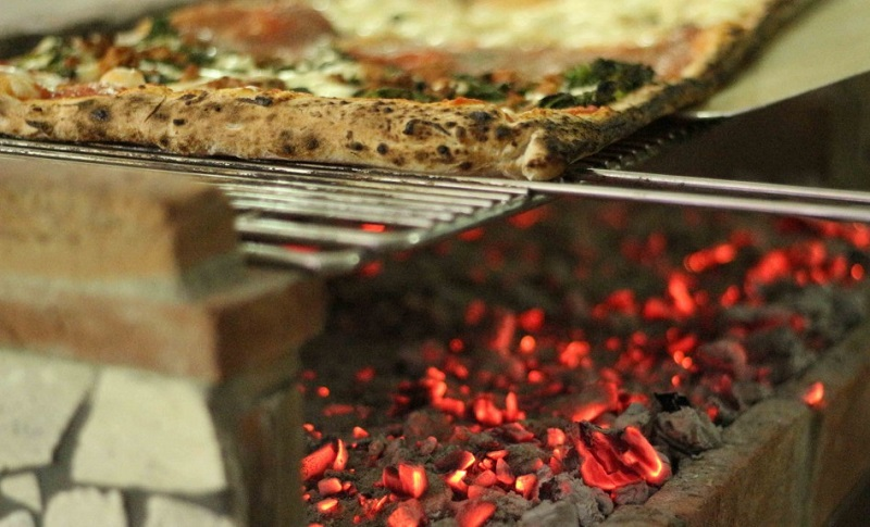 Pizza Alla Brace