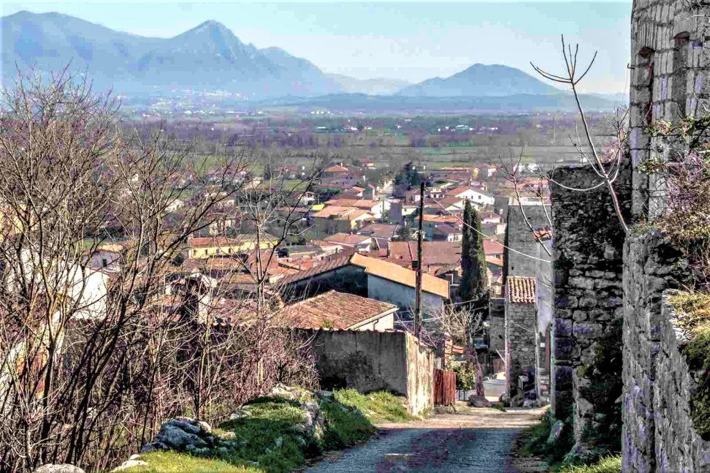 Baia e Latina - Borgo