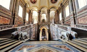 visitare la Reggia di Caserta: Scalinata Onore Reggia