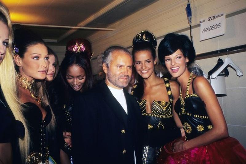 linda Evangelista - Versace con le sue top model