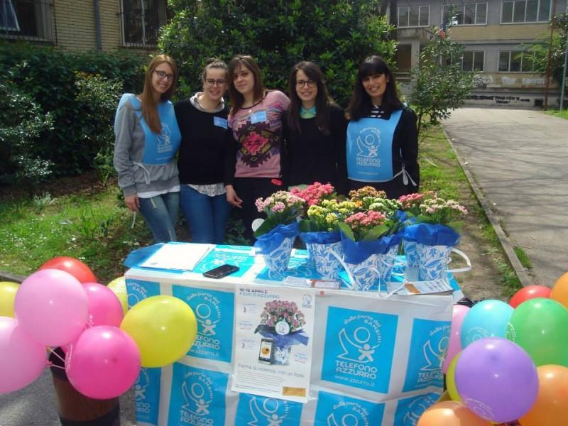 foto di alcune Volontarie Fiori D'azzurro