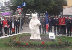 Statua Dell'orso Wojtek A Cassino