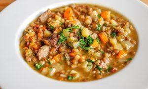 minestra di ceci e taglierini - zuppa di legumi