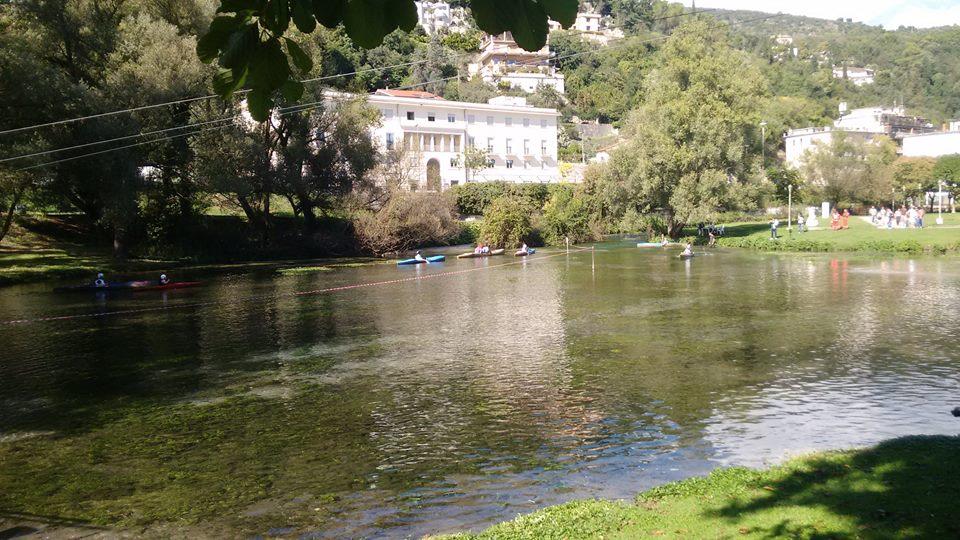 Fiume Gari-Canoe in Villa