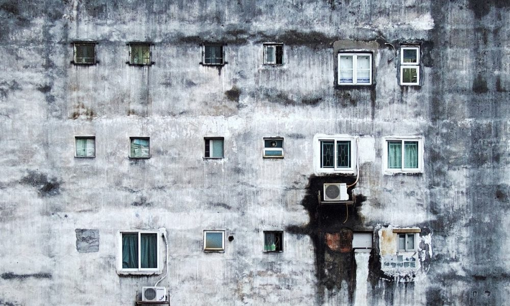 Palazzo Degradante Di Periferia