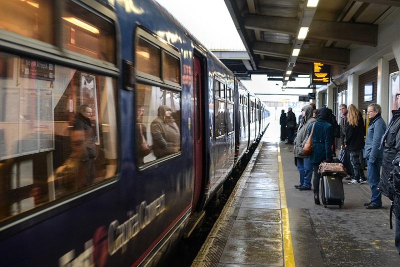 Viaggiare Stazione Treni