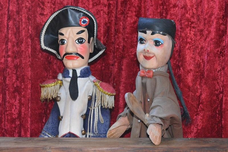 Teatro Dei Burattini Spettacolo Di Marionette